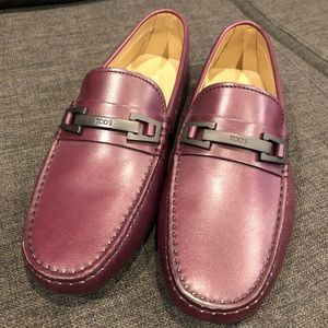 New Tod's Gommino Burgundy Leather Moccasins